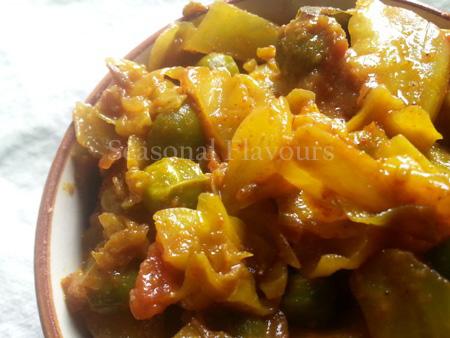 Bandhakopir Torkari Bengali Recipe | Cabbage Potato Peas Dry Sabzi