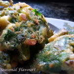 Palak Pakoda - Crisp Spinach Fritters | Palak Pakora With Spinach Leaves