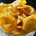 Plantain Chips - Kerala Crunchy Kaya Varuthathu | Onam Ethakka Upperi